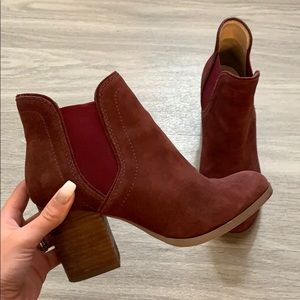 Sole Society Suede Burgundy Booties